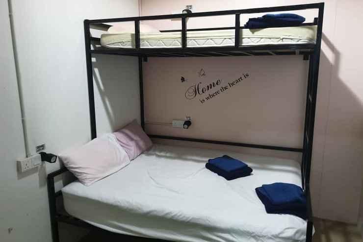 BEDROOM SPOT ON 89980 homie hostel