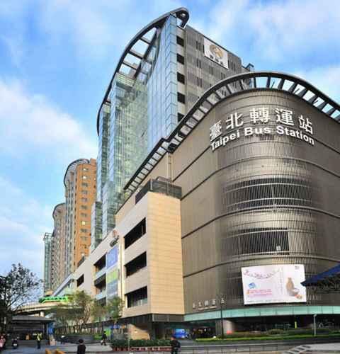 EXTERIOR_BUILDING Master Hotel