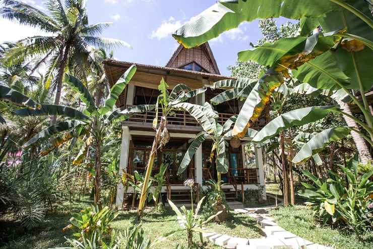 EXTERIOR_BUILDING Surfing Carabao Beach Houses - Adults Only