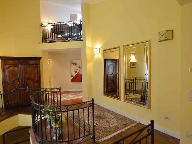 LOBBY Spacious Villa With Garden and Panoramic Views in the Green Hinterland of Rimini