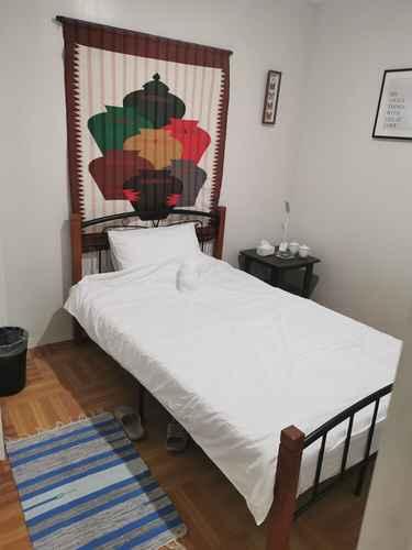 BEDROOM flip-flops hostel