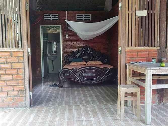 BEDROOM Homestay thanh bình ở giữa vườn cây ăn quả - Phòng có nhà vệ sinh riêng