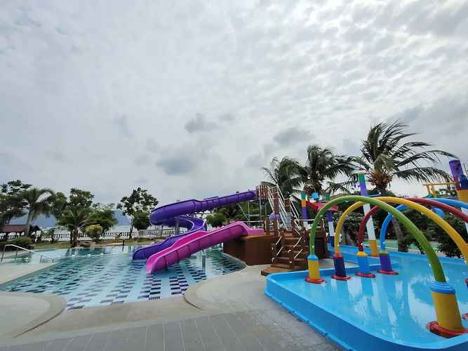 SWIMMING_POOL De Baron Resort