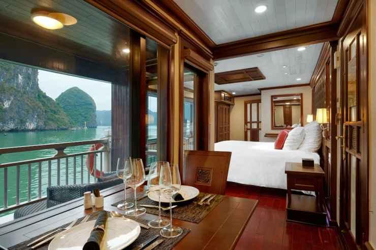 BEDROOM Du thuyền Paradise Peak