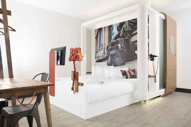 BEDROOM โรงแรมคิวบิก ลอนดอน ซิตี้