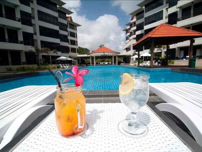 SWIMMING_POOL Samsuria Beach Resort & Residence