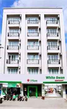 EXTERIOR_BUILDING White Swan Apartment