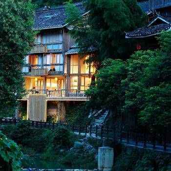 Featured Image Liping Dong Art Theme Hotel