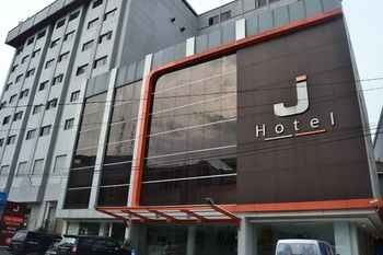 Featured Image J Hotel Medan