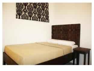 BEDROOM R Suites & Cafe