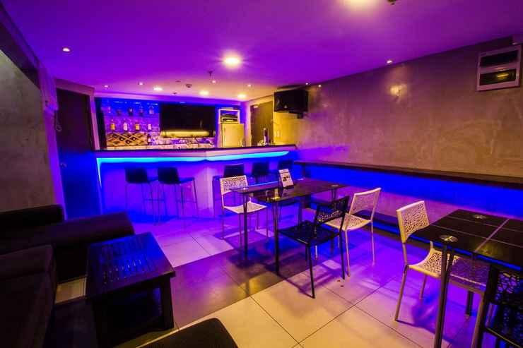 BAR_CAFE_LOUNGE Jade Hotel & Suites