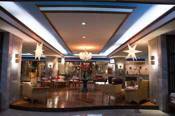 LOBBY Maxx Hotel