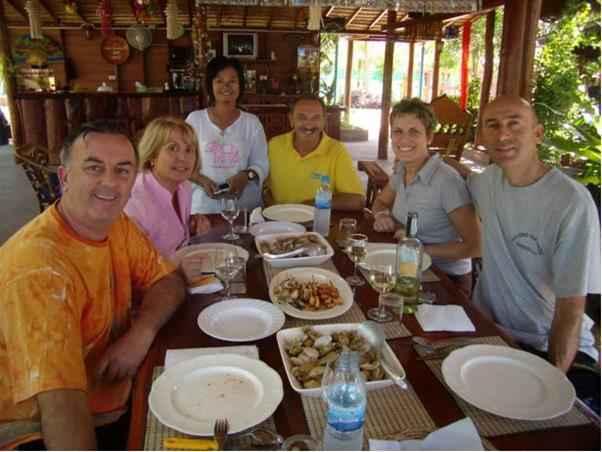 RESTAURANT Home Paradise Resort Tak