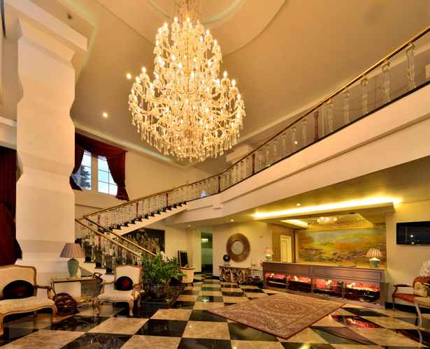LOBBY Amaroossa Royal Hotel Bogor
