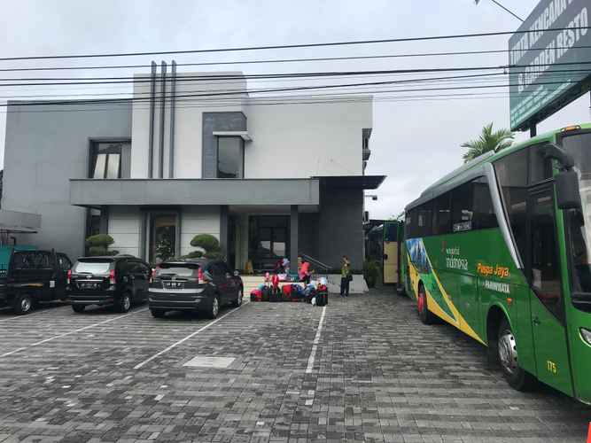 LOBBY Tirta Kencana Hotel & Garden Resto
