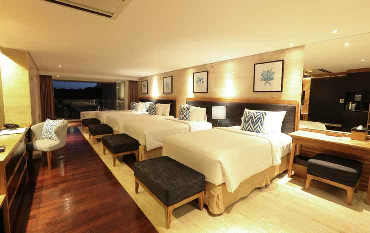 De Vins Sky Hotel Seminyak Bali - Quad Whirlpool Suite