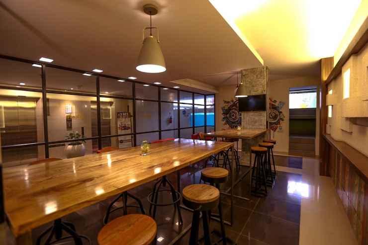 BAR_CAFE_LOUNGE Hotel Dafam Fortuna Seturan