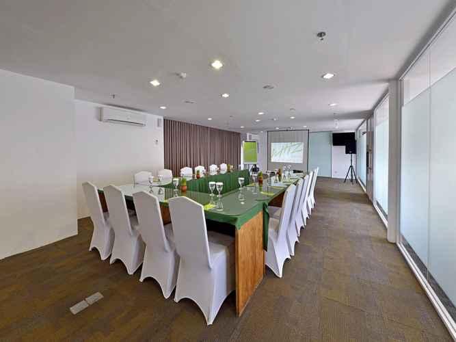 FUNCTIONAL_HALL Whiz Hotel Pemuda Semarang
