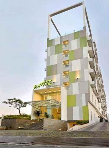 EXTERIOR_BUILDING Whiz Hotel Pemuda Semarang