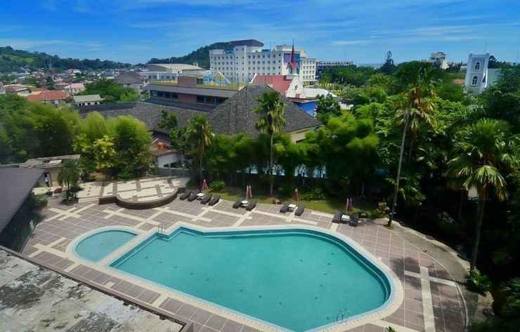 SWIMMING_POOL Kyriad Bumiminang Hotel Padang
