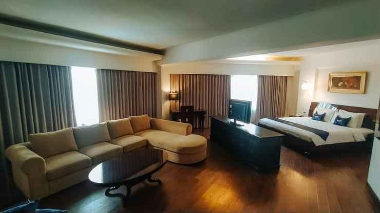 BEDROOM Kyriad Bumiminang Hotel Padang
