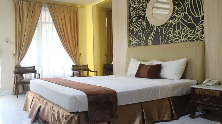 BEDROOM Grand Rosela Hotel