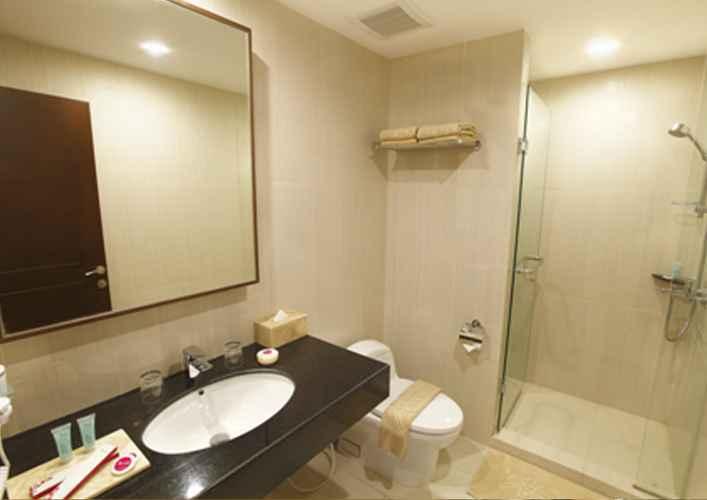 BATHROOM Hotel Orchardz Bandara