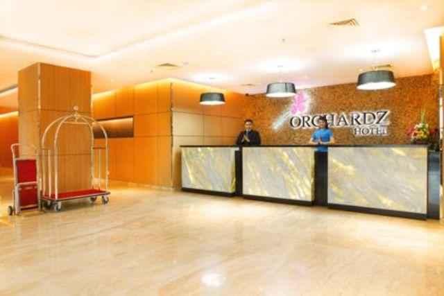 LOBBY Hotel Orchardz Bandara