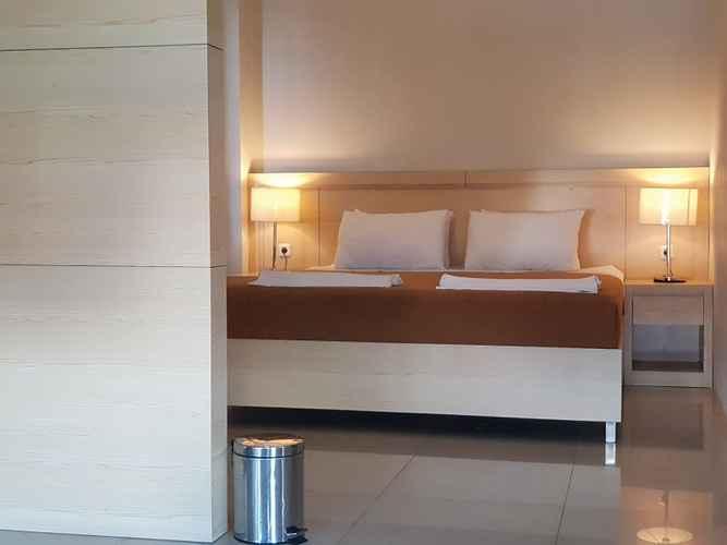 BEDROOM Miracle Hotel