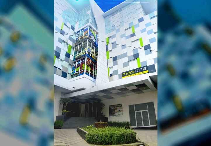EXTERIOR_BUILDING MaxOneHotels.com @ Glodok - Jakarta