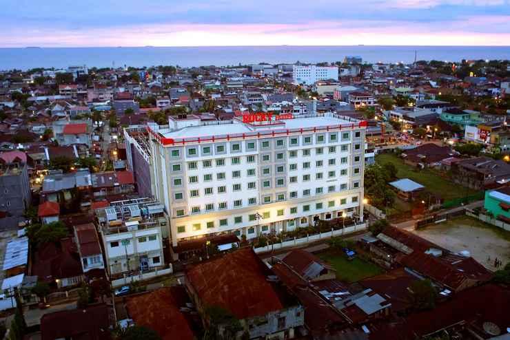 EXTERIOR_BUILDING Rocky Plaza Hotel Padang