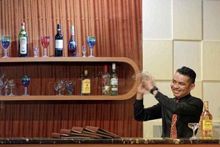 BAR_CAFE_LOUNGE Rocky Plaza Hotel Padang