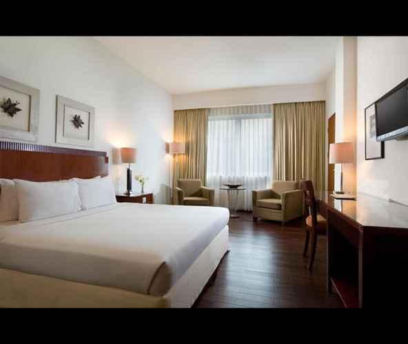BEDROOM Hotel Santika Pontianak