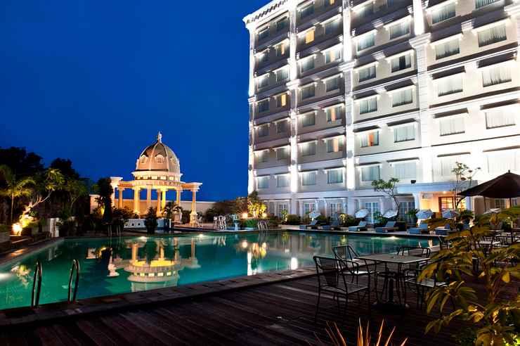 SWIMMING_POOL The Rich Jogja Hotel