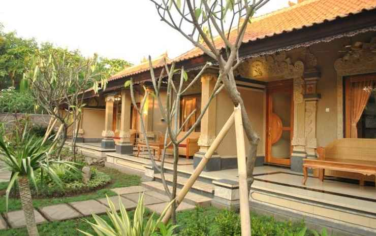 Trijaya Guest House Bali - Deluxe Room Air Conditioning