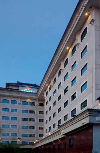 EXTERIOR_BUILDING Hotel Maharani Jakarta
