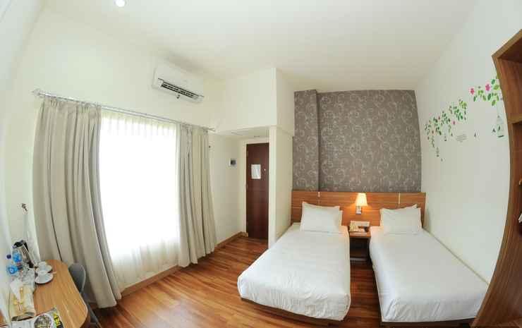 Hotel Tanjung Karang Bengkulu Bengkulu - Gold - Twin Bed