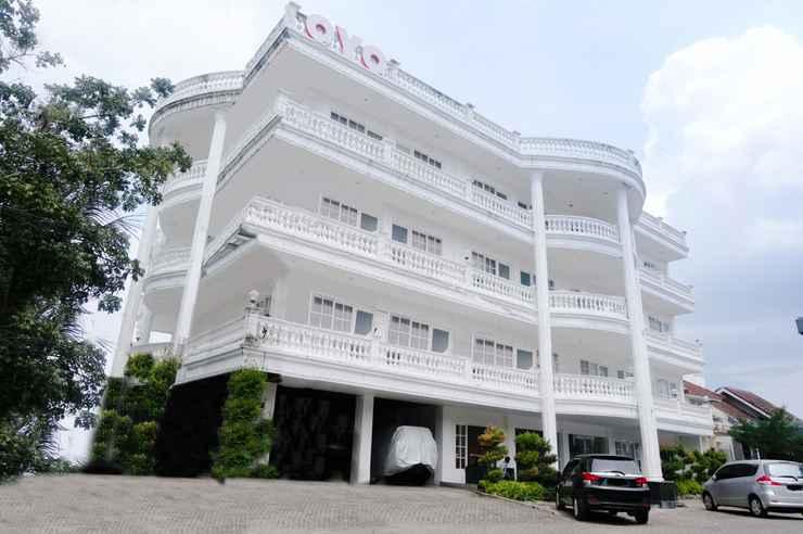 Oyo 696 Hasanah Guest House Syariah De Saphire In Lowokwaru Malang East Java