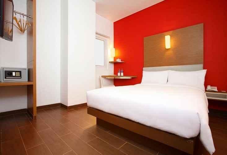 BEDROOM Amaris Hotel Season City Jakarta