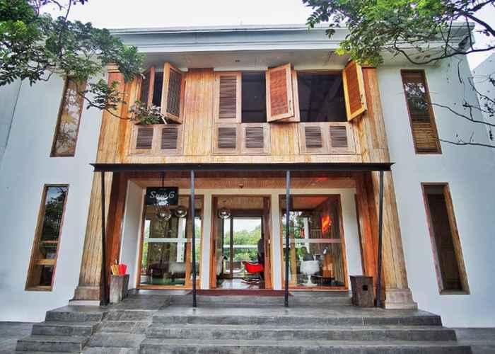 EXTERIOR_BUILDING Stevie G Hotel