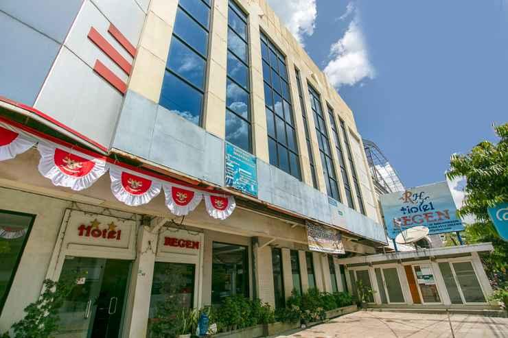 EXTERIOR_BUILDING OYO 3031 Hotel Regenerasi