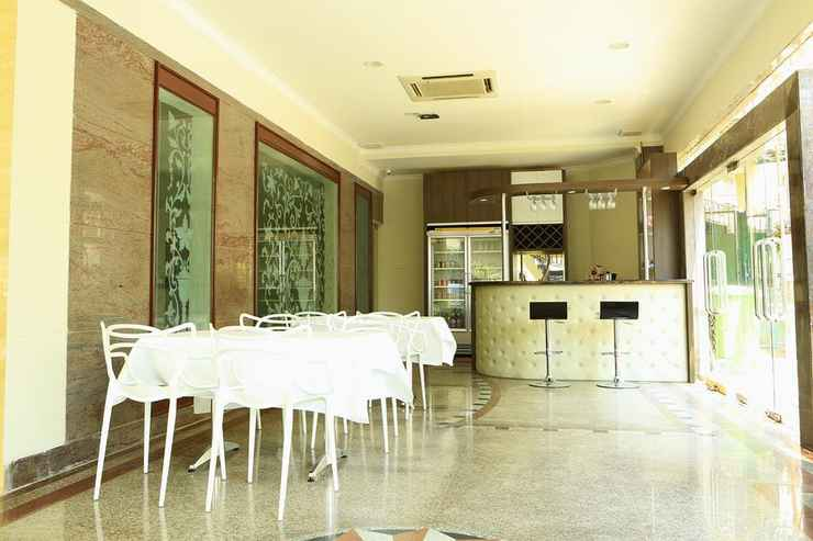 BAR_CAFE_LOUNGE Hotel 55 International