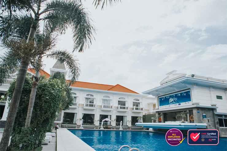 SWIMMING_POOL Adhiwangsa Hotel & Convention Hall