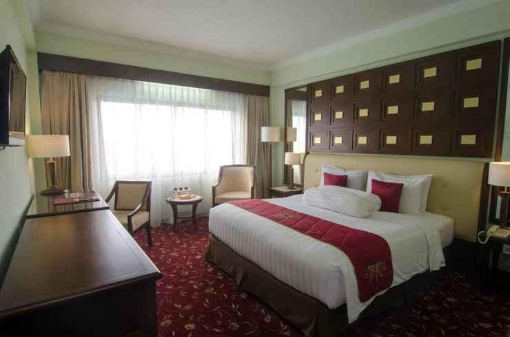 BEDROOM The Sunan Hotel Solo