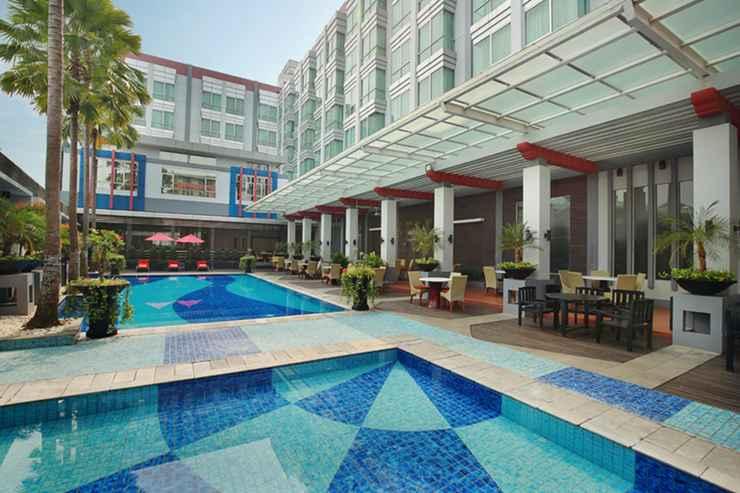 SWIMMING_POOL Mercure Pontianak Hotel