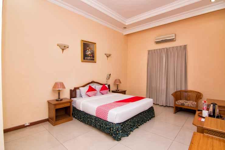 BEDROOM Capital O 2205 Hotel 3 Intan