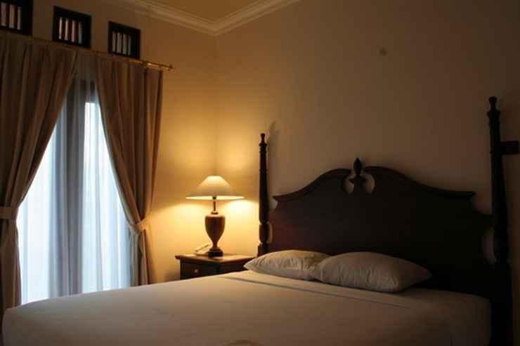 BEDROOM The Oxalis Regency Hotel