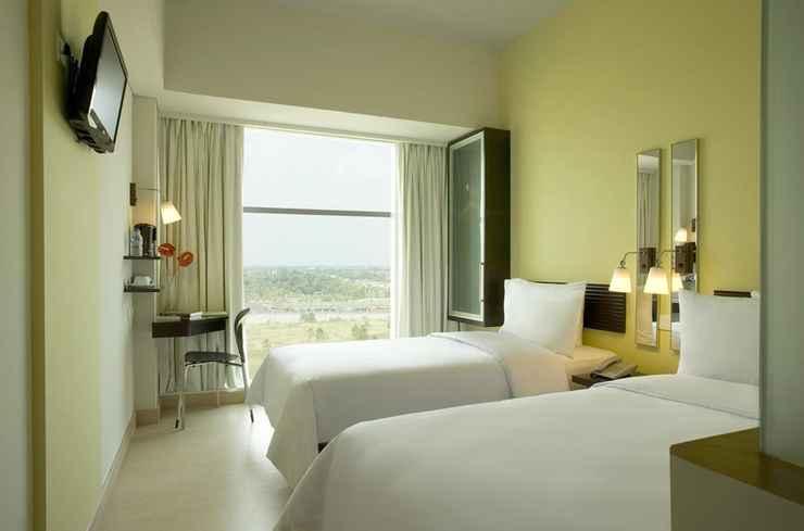 BEDROOM Hotel Santika BSD