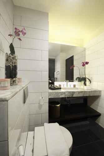 BATHROOM Veranda Hotel @ Pakubuwono by Breezbay Japan
