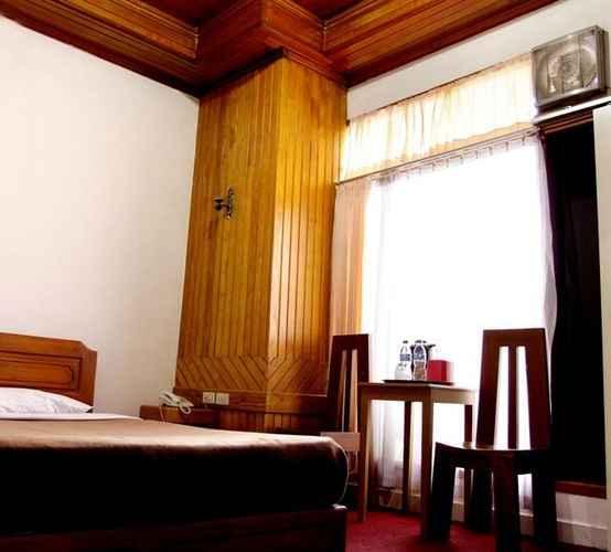 BEDROOM Ambun Suri Hotel
